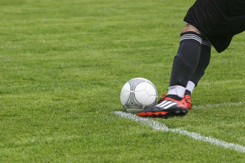 拜仁中场大将比达尔训练受伤如何预防运动损伤