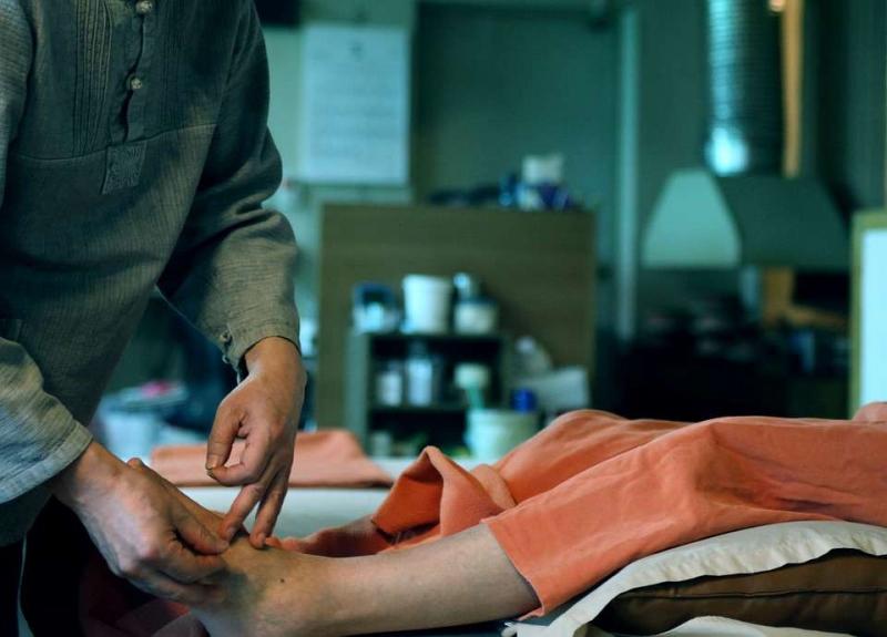 肩膀周围的肌肉酸痛怎么缓解肩颈疼痛日常注意事项